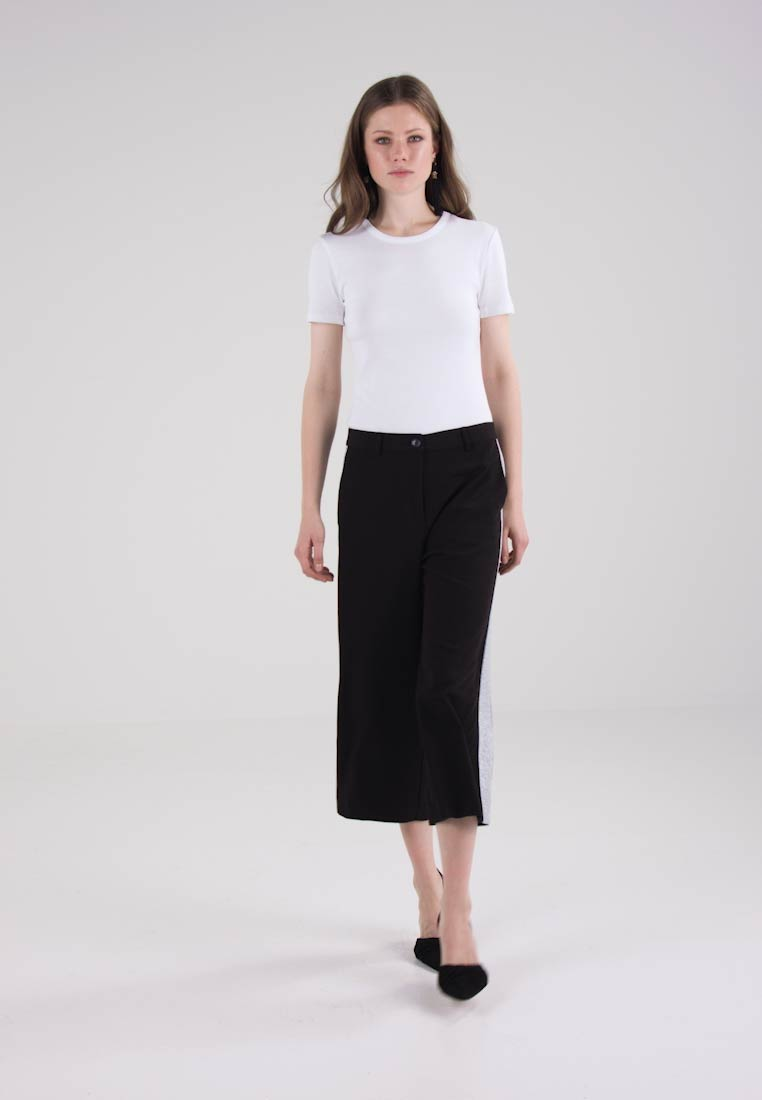 Sisley TROUSERS - Bukser - black