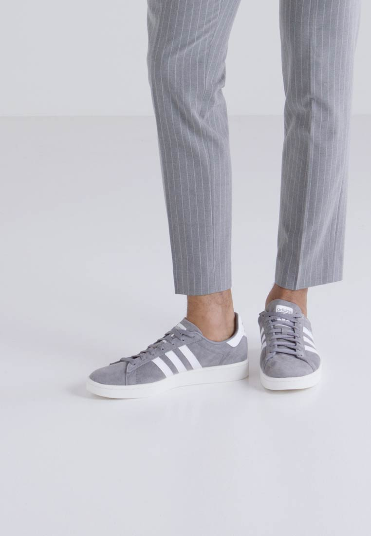 adidas Originals CAMPUS - Joggesko - grey three/footwear white/chalk white