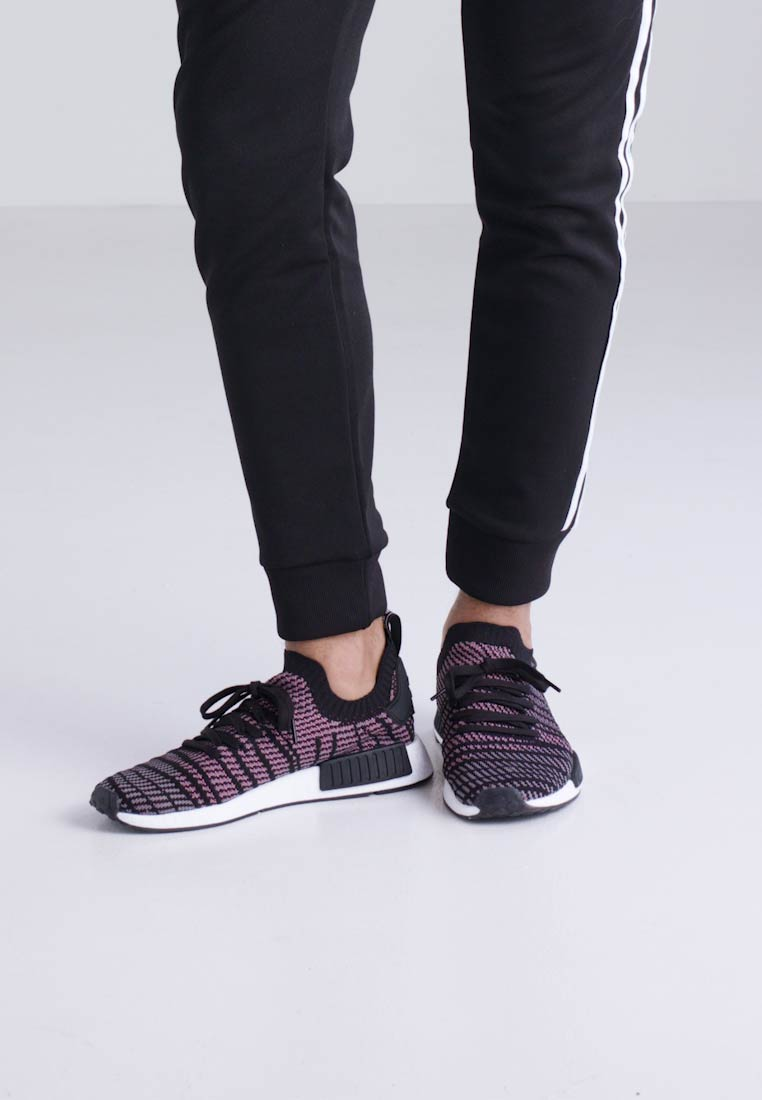 adidas Originals NMD_R1 STLT PK - Sneaker Sneaker Sneaker low - core black/grey four/solar pink  Tragbare Schuhe 53db70