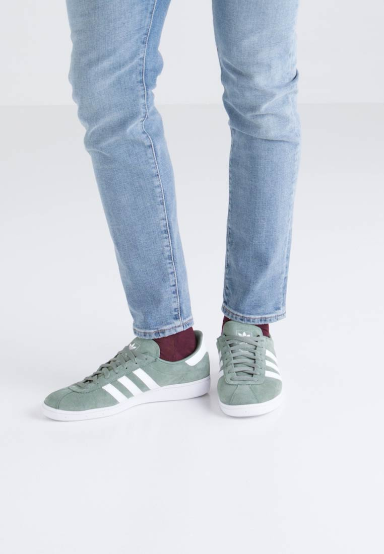 adidas Originals MÜNCHEN - Joggesko - trace green/footwear white/gold metallic