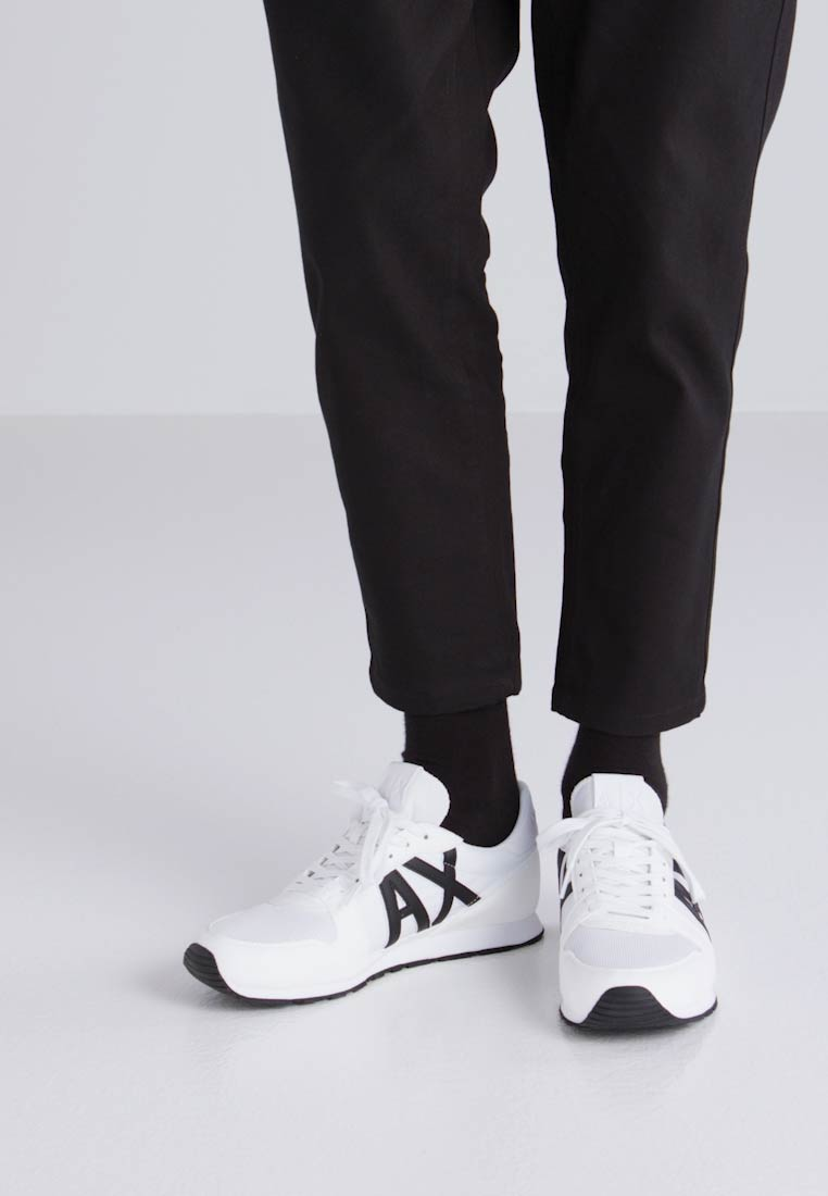 Armani Exchange RETRO RUNNER - Zapatillas optical white