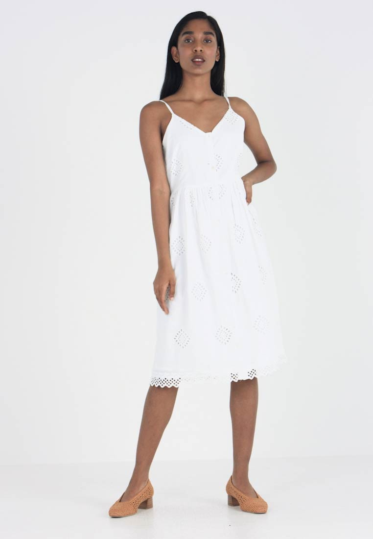 b.young - BYHOPE DRESS - Robe chemise - optical white