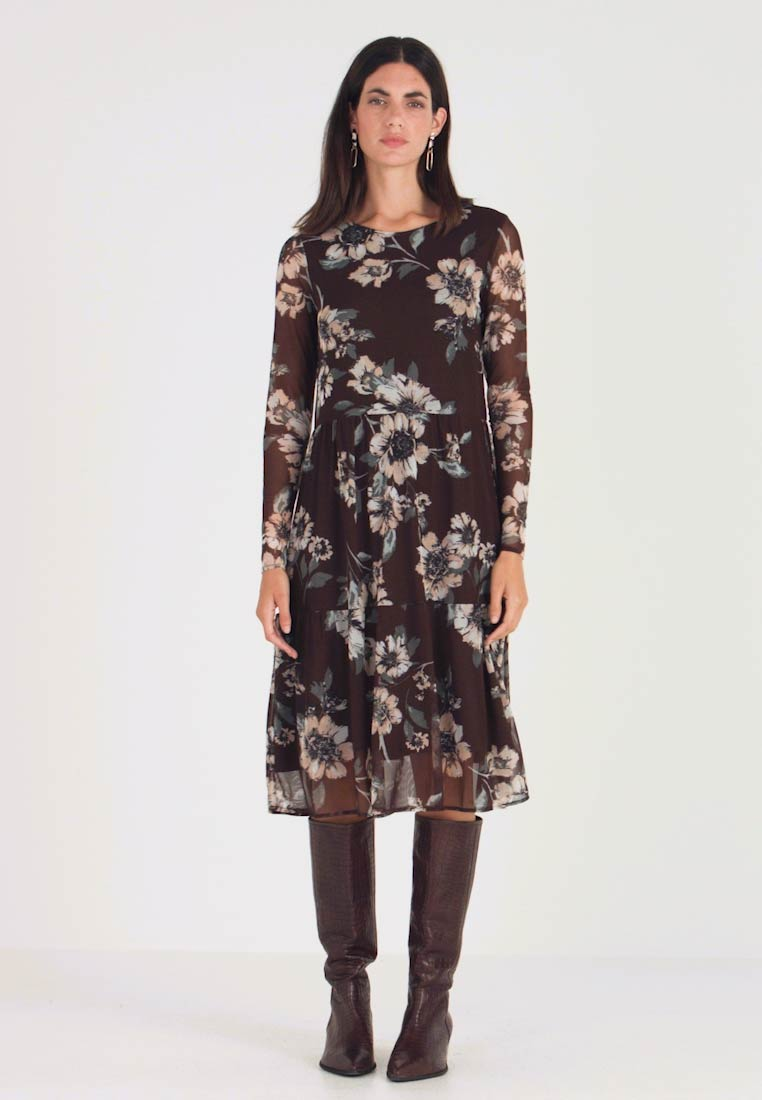 b.young - BYSILVI DRESS - Day dress - chocolate brown combi