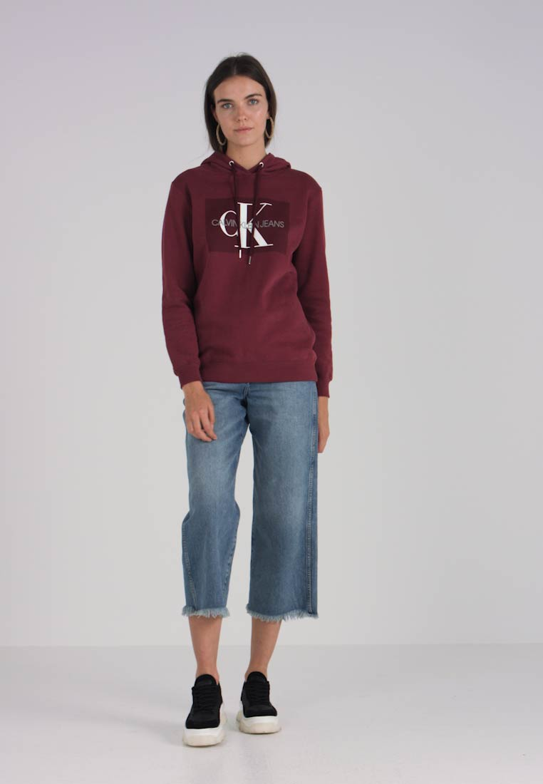 Box Klein Tawny Monogram Port Hoodie Relaxed Calvin Jeans dtwqOxPP