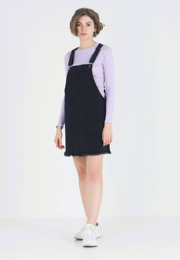 Cotton On - CLASSIC PINAFORE - Denimové šaty - washed black