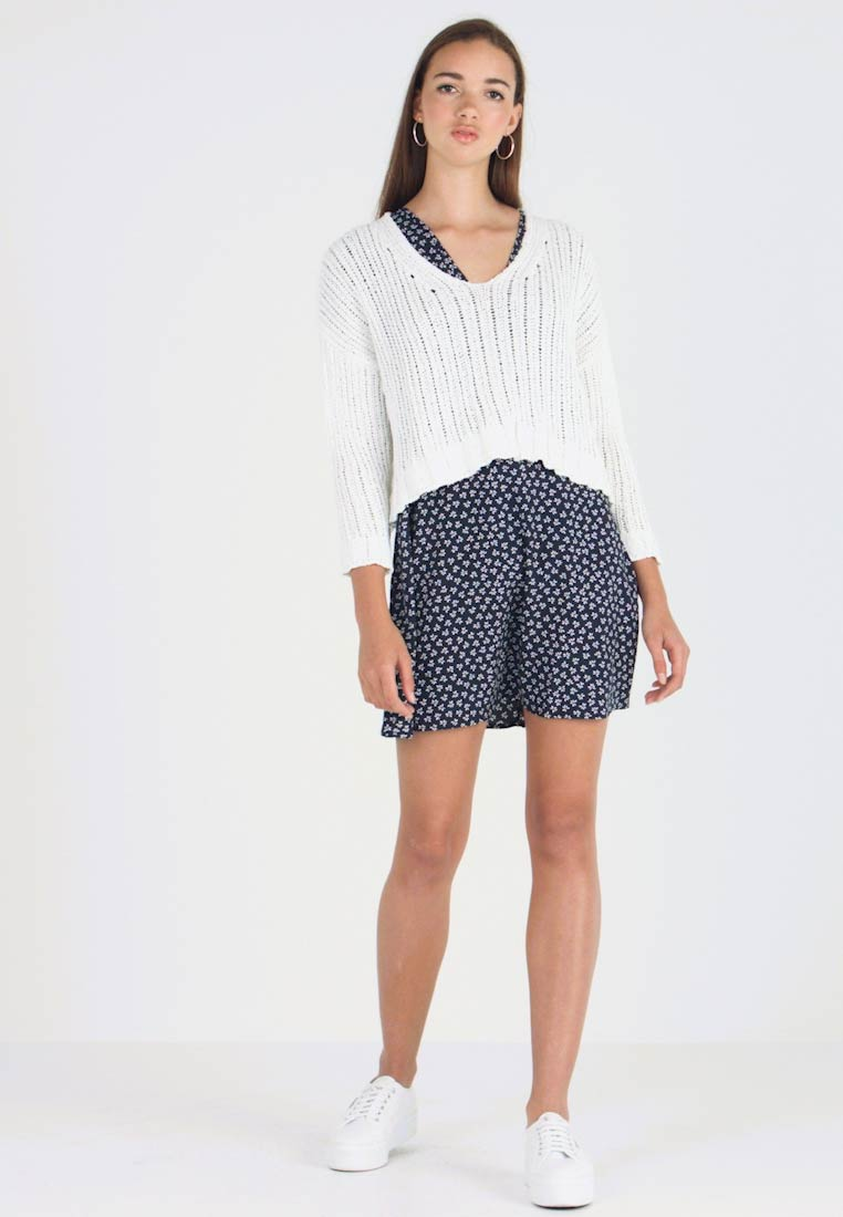 Cotton On - CROPPED OPEN - Strickpullover - white