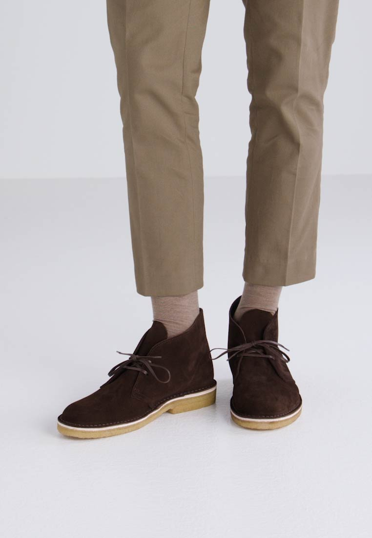 Clarks Originals DESERT - Zapatos con cordones brown