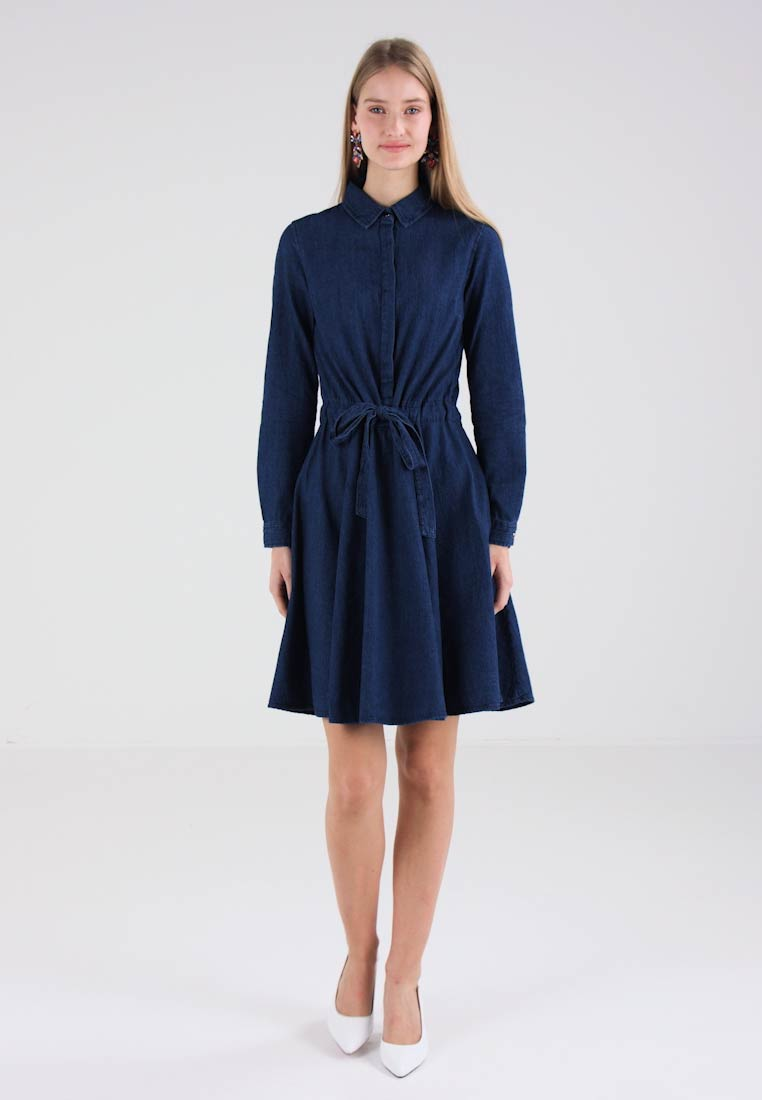 Cortefiel STYLE DRESS - Robe en jean - blues
