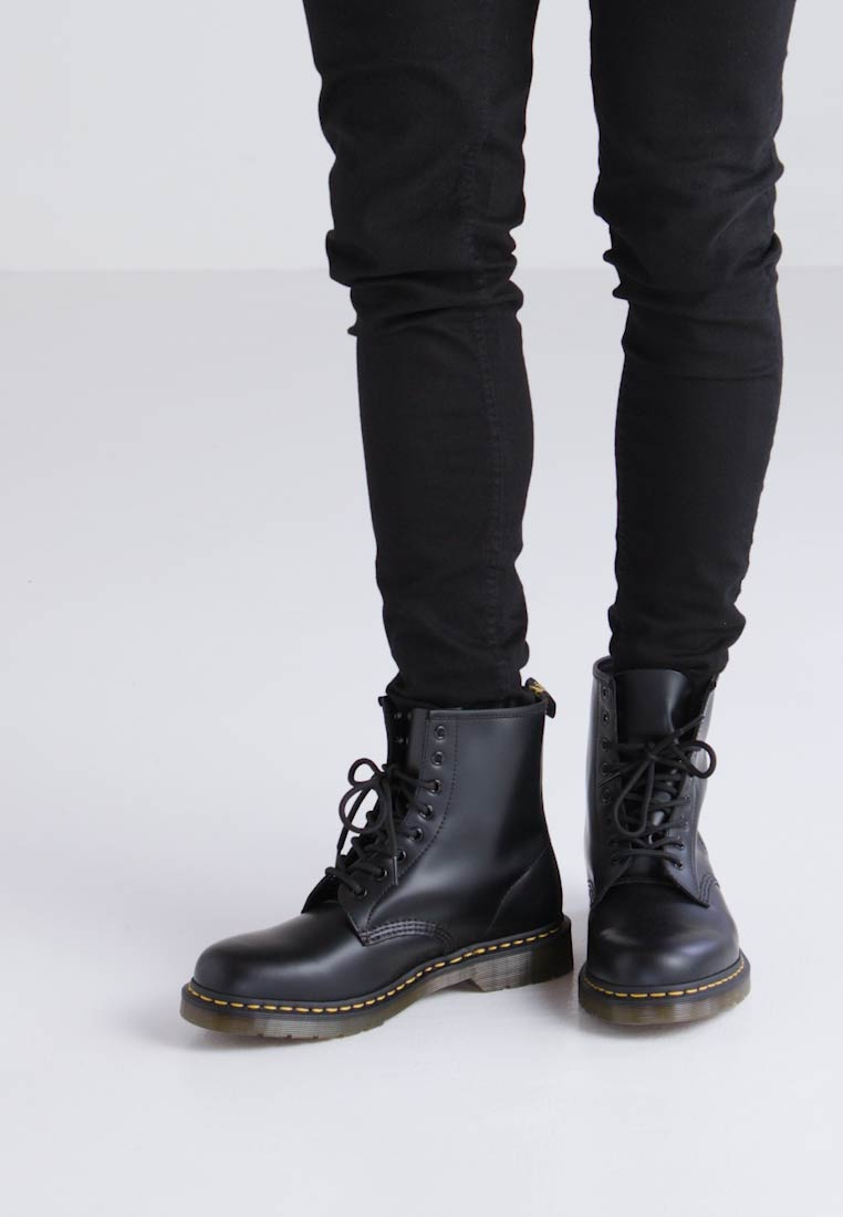 Pizzo Schwarz Buona Schwarz up Vendita Martens Dr up Martens Selling Boots Dr Stivali Lace Good In pqOzwz