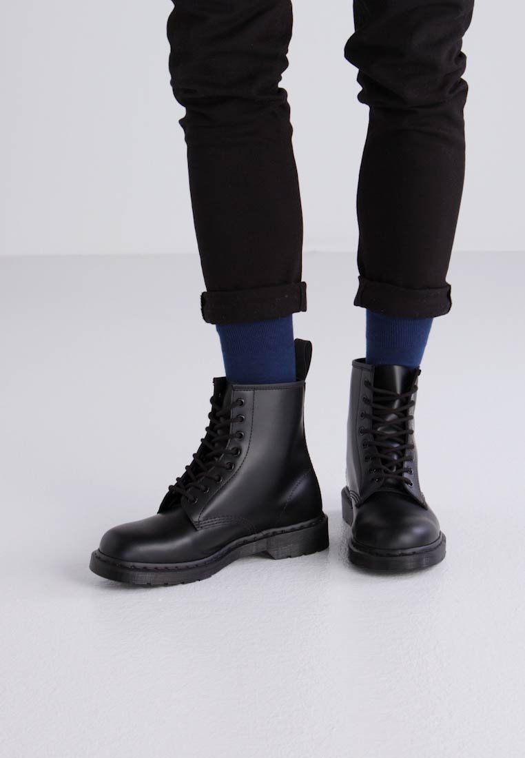 Of Lining Martens nbsp;combination Leather Mono Black And up Lace Boots Lining Dr 1460 Textile xzqwWRnW1