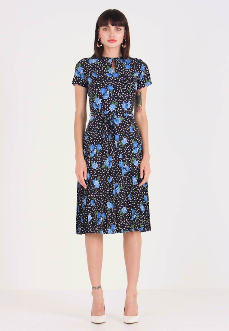 Dorothy Perkins - FLORAL SHORT SLEEVE PLEAT DRESS - Freizeitkleid - black