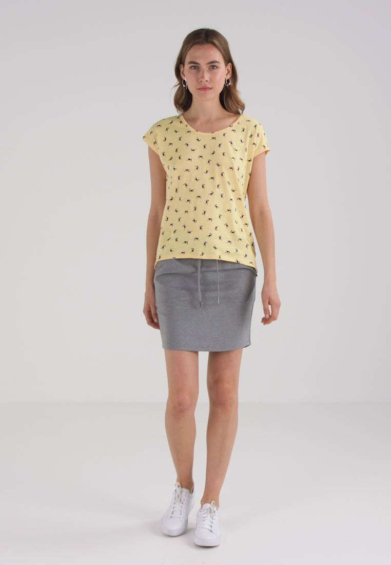 edc by Esprit BACK - T-shirts med print - yellow