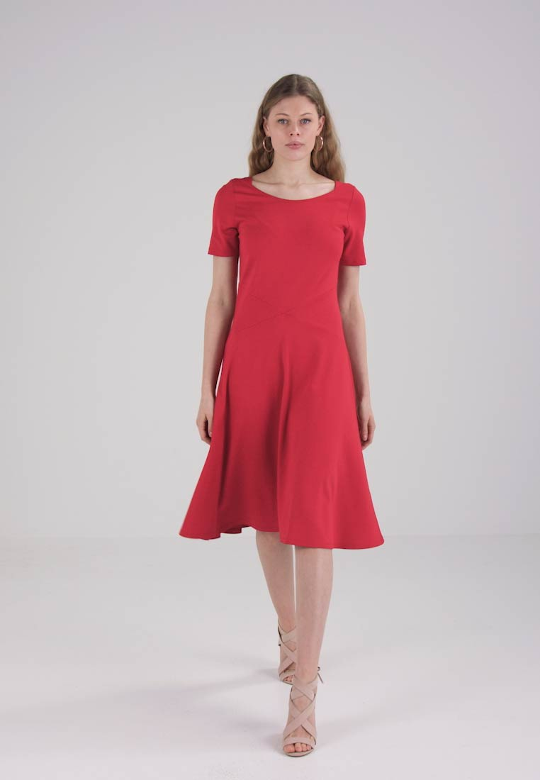 Esprit DRESS - Robe en jersey - red