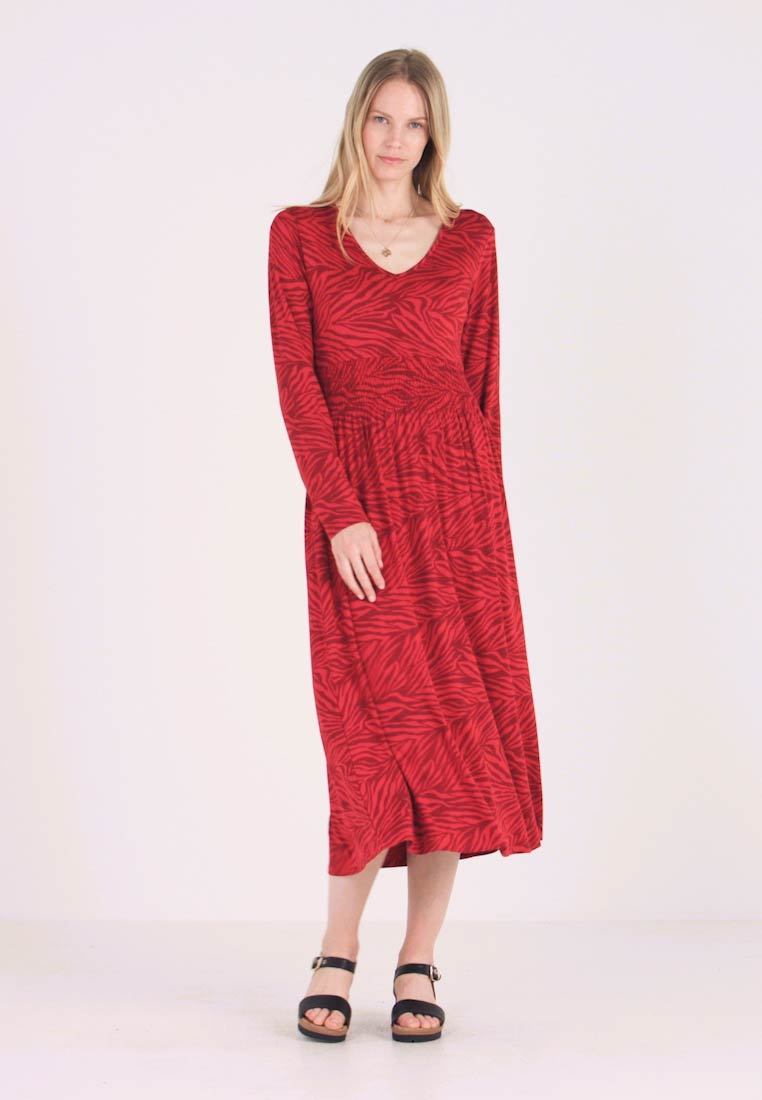 Fransa - FREMROUND DRESS - Maxikjole - pompeian red