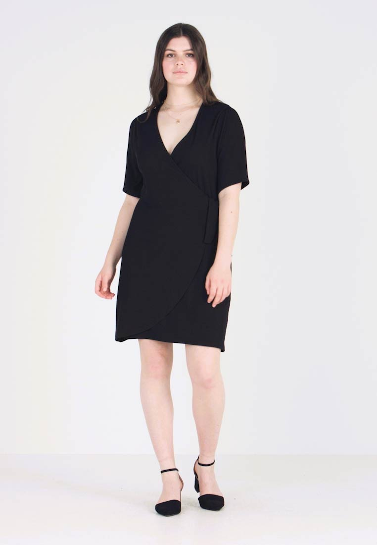 Fashion Union Plus - DANNY WRAP DRESS - Vestido ligero - black