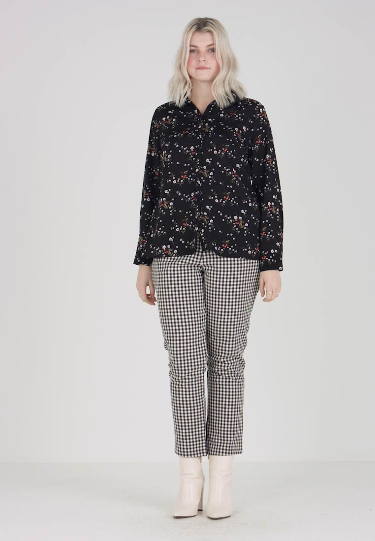 Fashion Union Plus - BUTTON FRONT IN FLORAL PRINT - Camisa - multi coloured