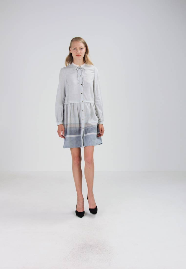 French Connection MARYANN STRIPE - Robe chemise - light blue
