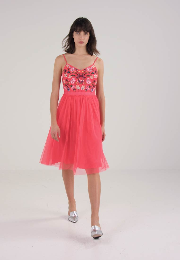 French Connection GENOA EMBROIDERED SHORT DRESS - Robe de soirée - azalea