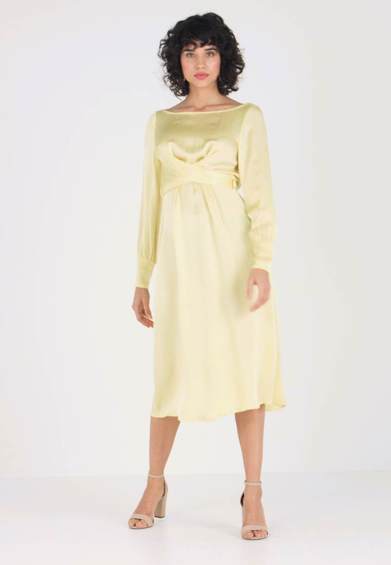5f2fd3792fb6 Ghost CASSIE DRESS - Cocktailkjoler   festkjoler - lemon - Zalando.dk