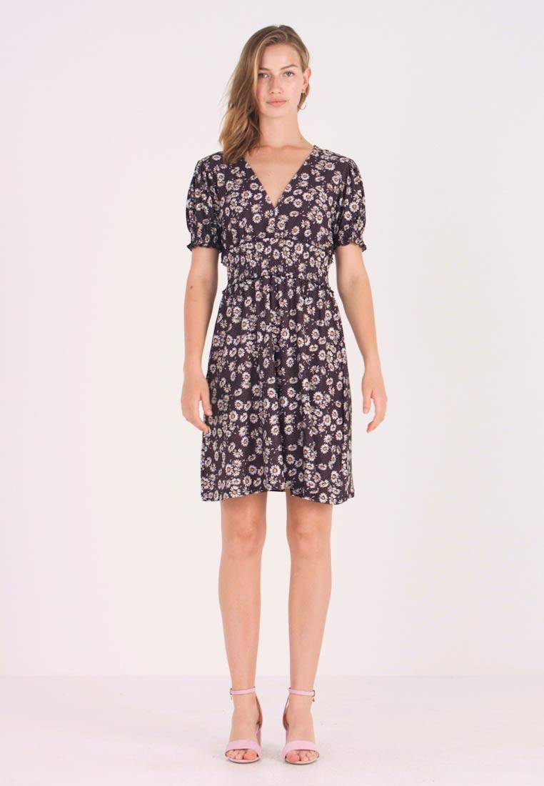 Gina Tricot - PHILIPPA DRESS - Jersey dress - multi-coloured
