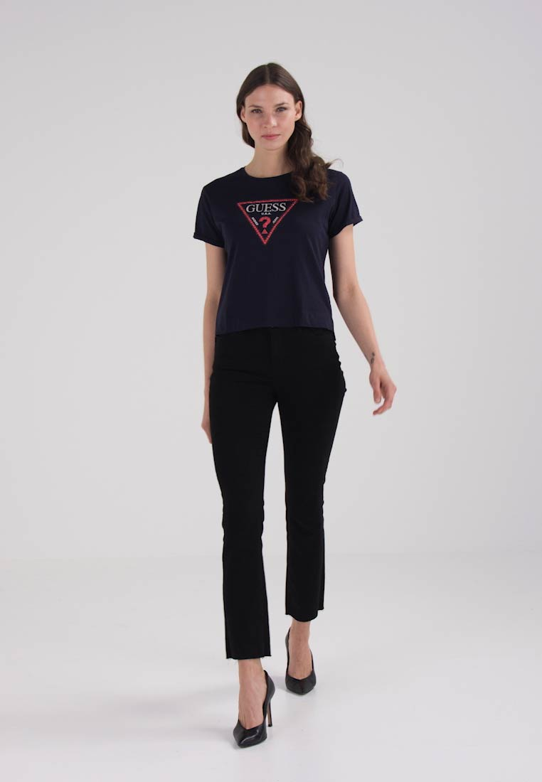 Guess TRIANGLE STUDS TEE - T-shirts med print - deep indigo