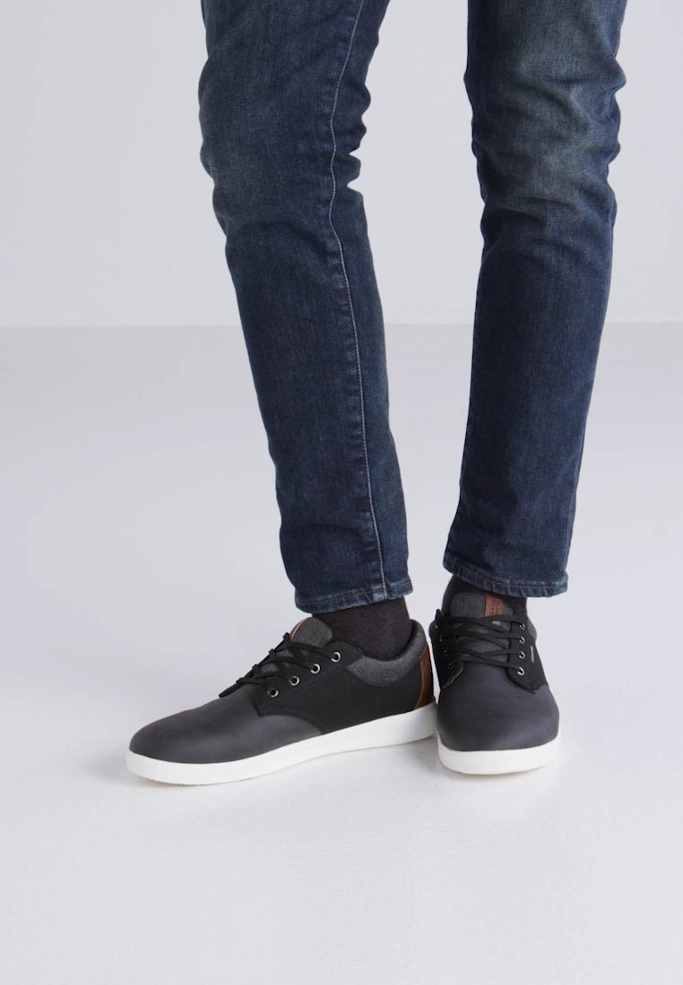 Zalando Combo Sneakers Anthracite Laag Jack Jfwgaston Jones be amp; wq4Zw1Oa