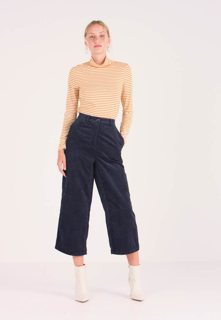 Kaffe - KAMELANI CULOTTE PANTS - Trousers - midnight marine