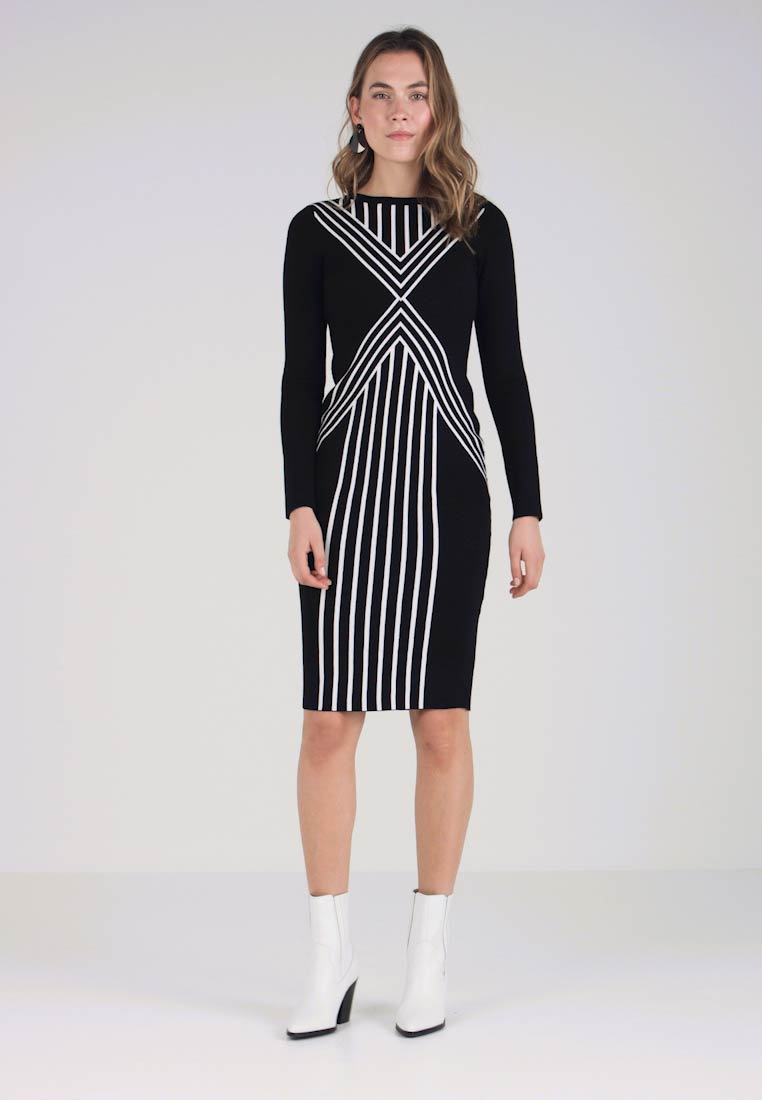 Karen Millen - CHEVRON STRIPE COLLECTION - Etuikleid - black /white