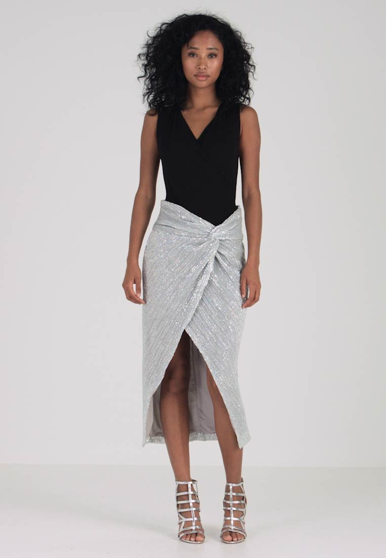 Lavish Alice - IRRIDESCENT SEQUIN TWISTED FRONT SKIRTS - Maxirok - silver