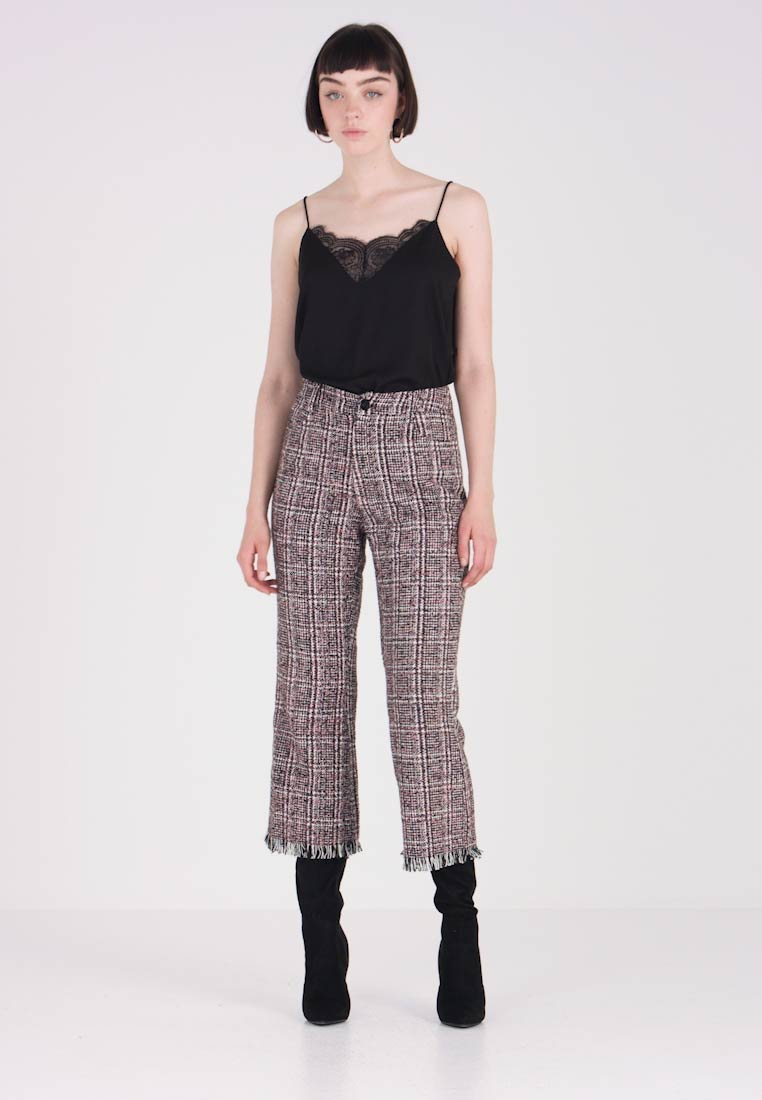 Fray Hem Trouser In Ink Pink Textured Fabric And Lost Stoffhose qY0CFwF