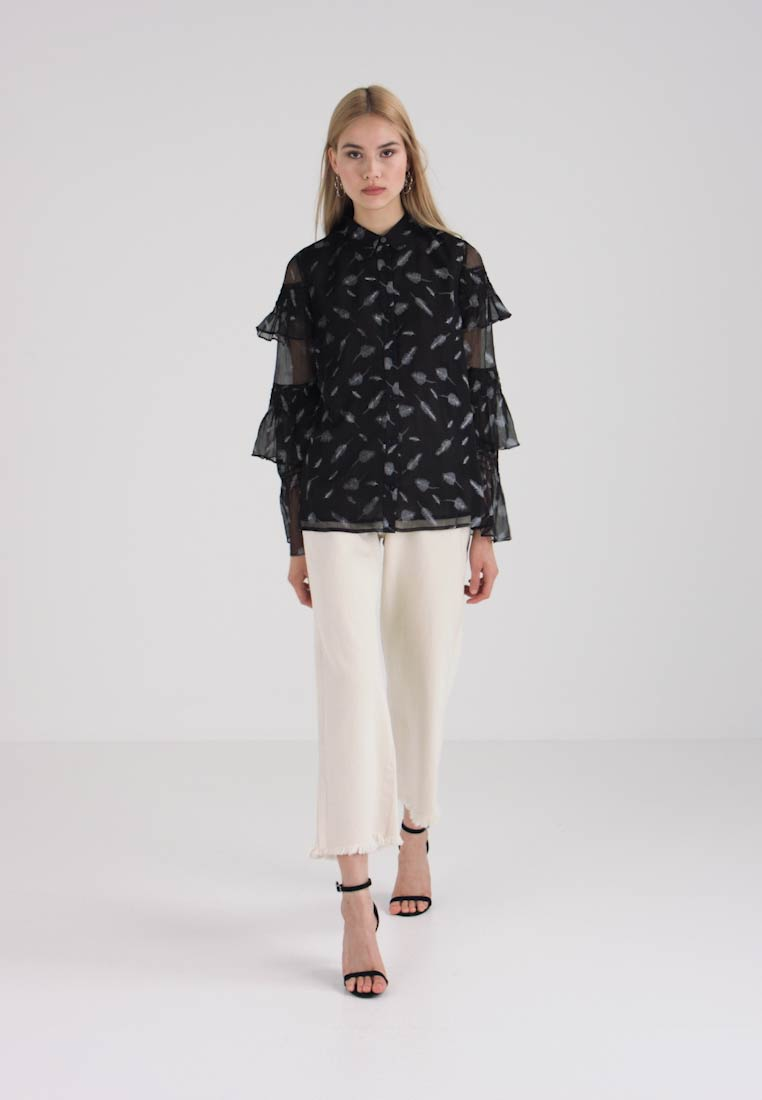 Lost Ink - FEATHER SHIRRED SLEEVE - Camisa - black/white