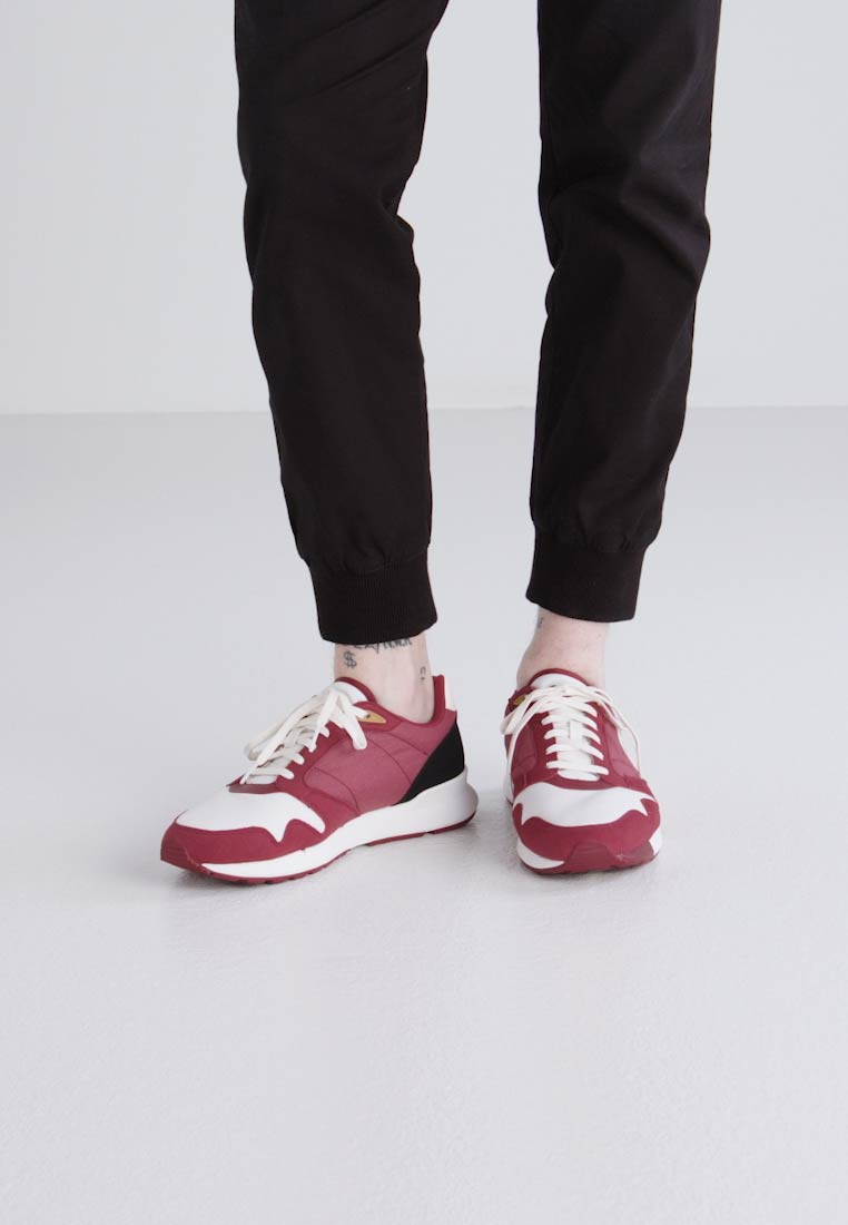 le coq sportif OMEGA X TECHLITE - Zapatillas ruby wine/marshmallow