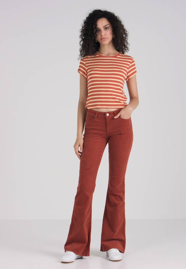 Lee - CHAFFEE - Flared Jeans - picante