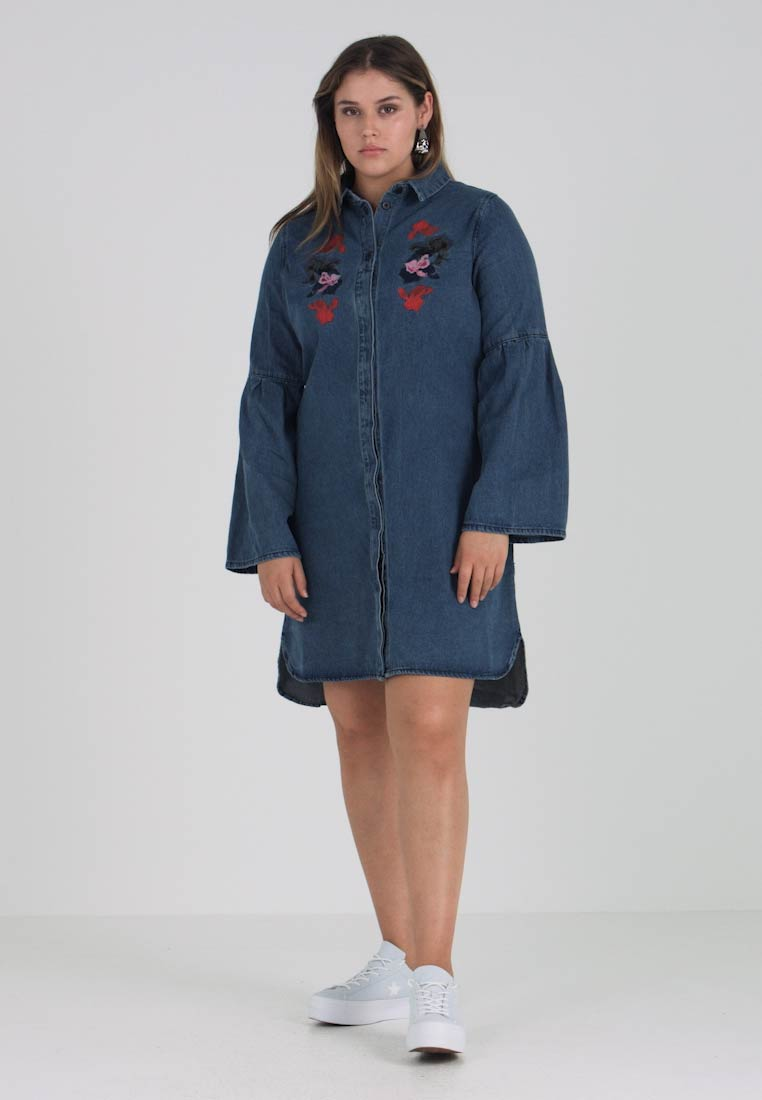 Lost Ink Plus SHIRT DRESS WITH EMBROIDERY - - - Jeansklänning - mid denim 210851