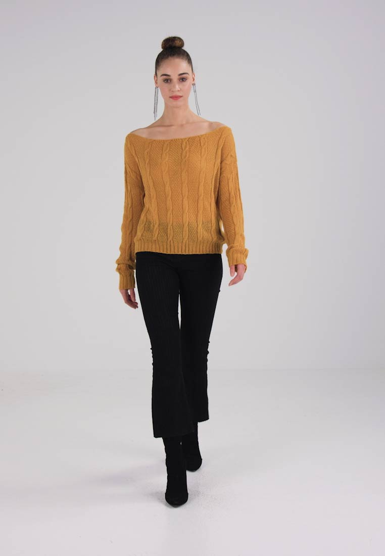 Missguided OFF SHOULDER CABLE KNITTED JUMPER - Jumper - mustard
