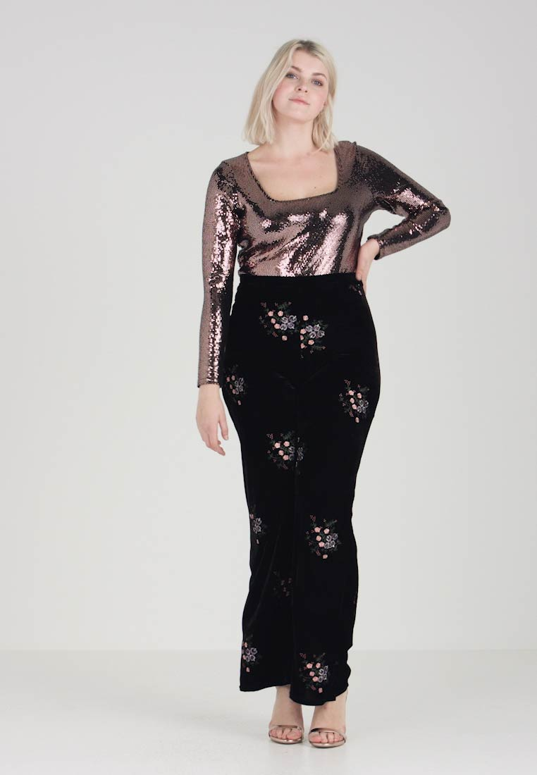 Missguided Plus - EXCLUSIVE CURVE WIDE LEG TROUSER IN FLORAL EMBROIDERED - Bukser - black