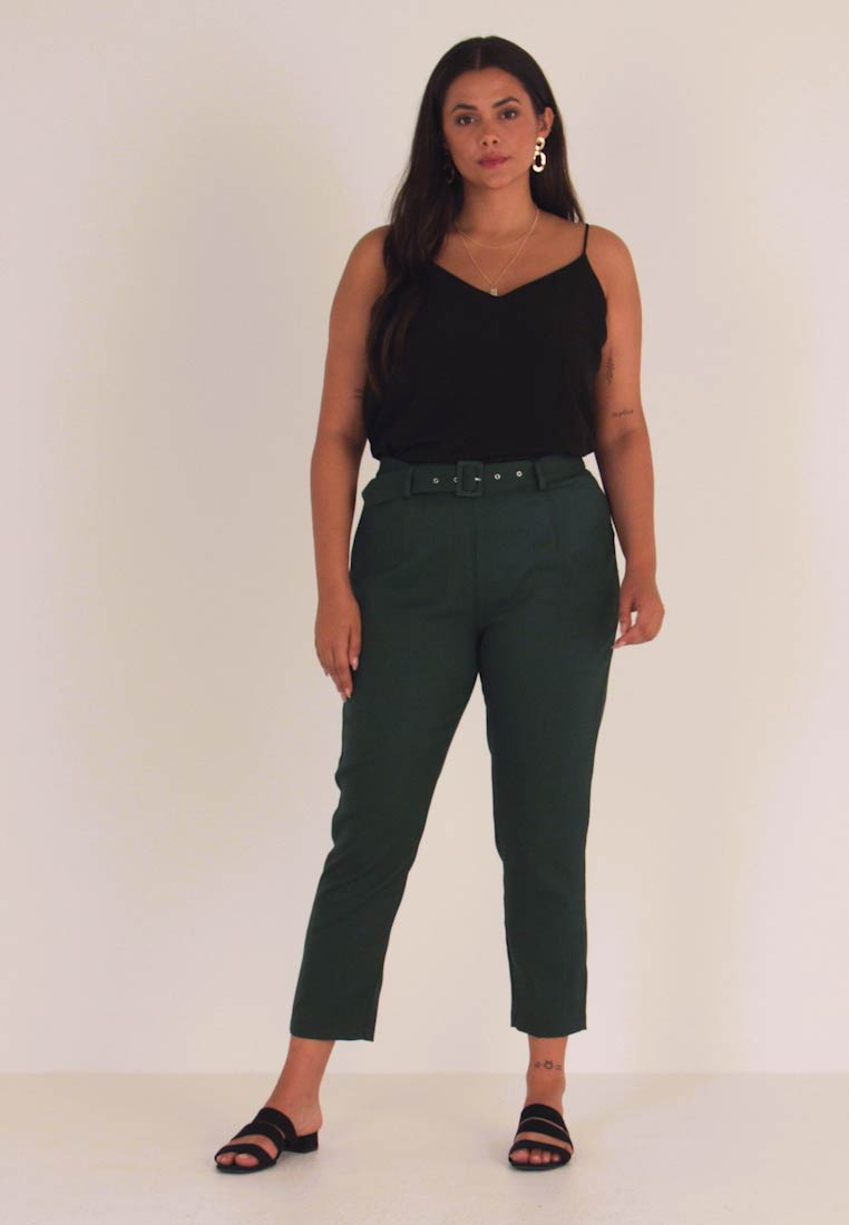 Missguided Plus - SELF BELT TROUSERS - Stoffhose - deep green/teal