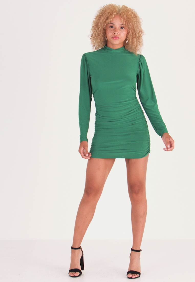 Missguided Petite - TEXTURED HIGH NECK RUCHED MINI DRESS - Tubino - emerald
