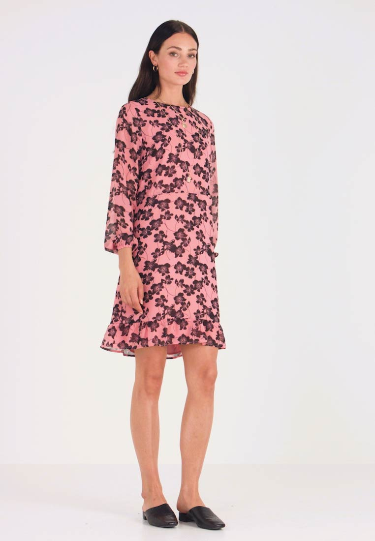 Moss Copenhagen - GRACIE SHORT DRESS - Freizeitkleid - light pink