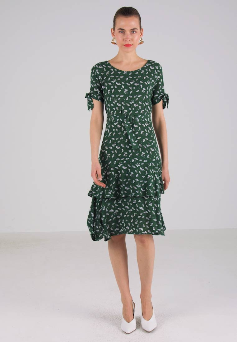 Mint amp;berry For Dress Looking Eden Day v5q85wxRS