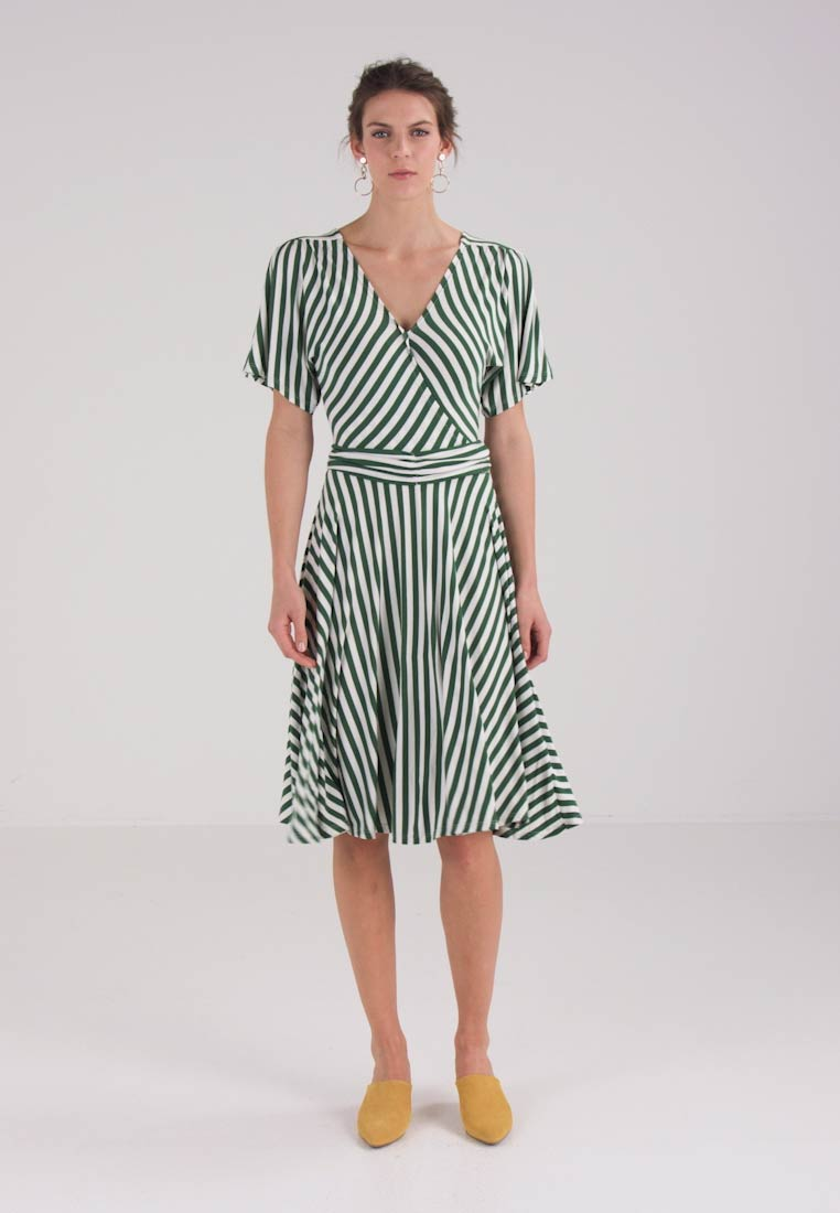 mint&berry CACHE COEUR DRESS  - Jerseykjole - simply green