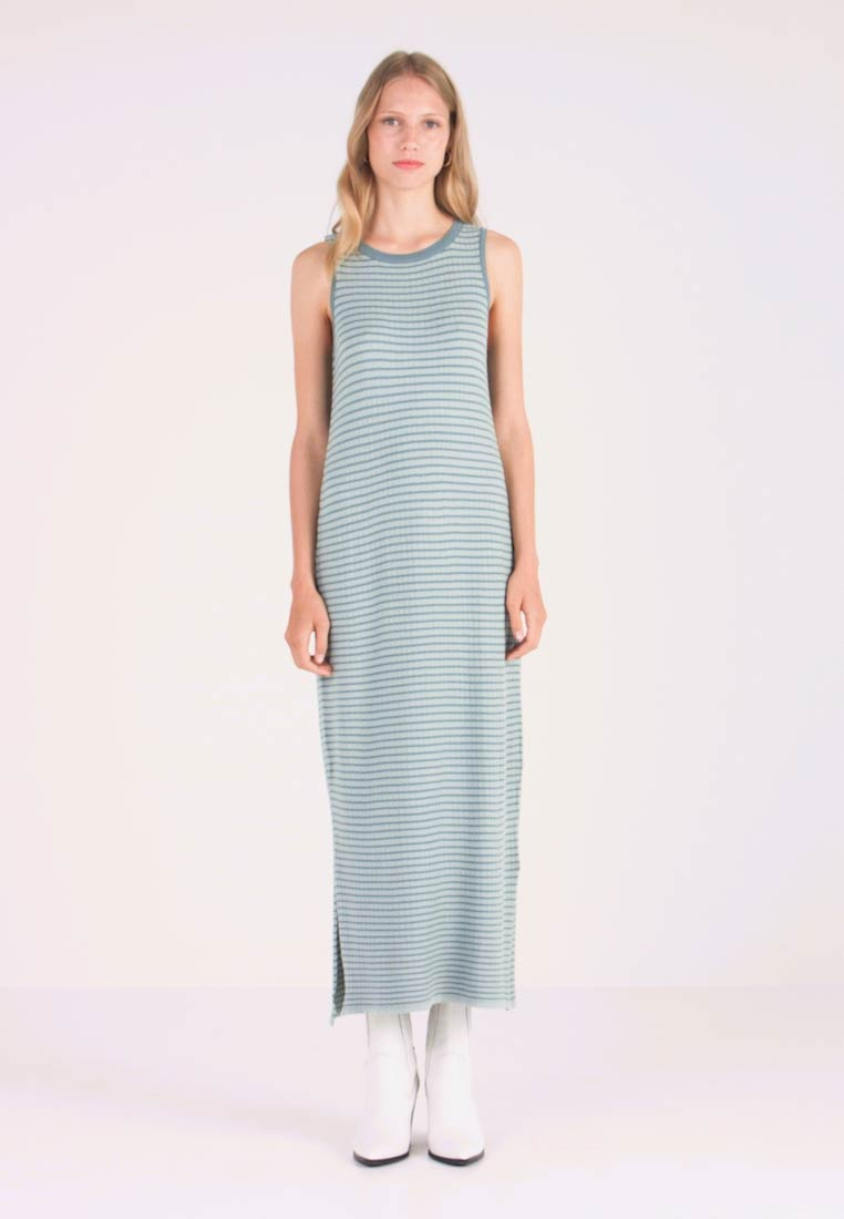 mint&berry - Maxi dress - abyss