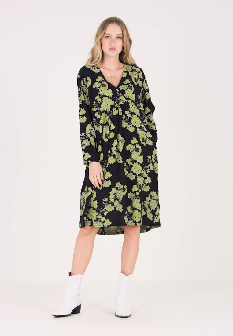 Masai - NABALA DRESS - Vestido informal - lime org