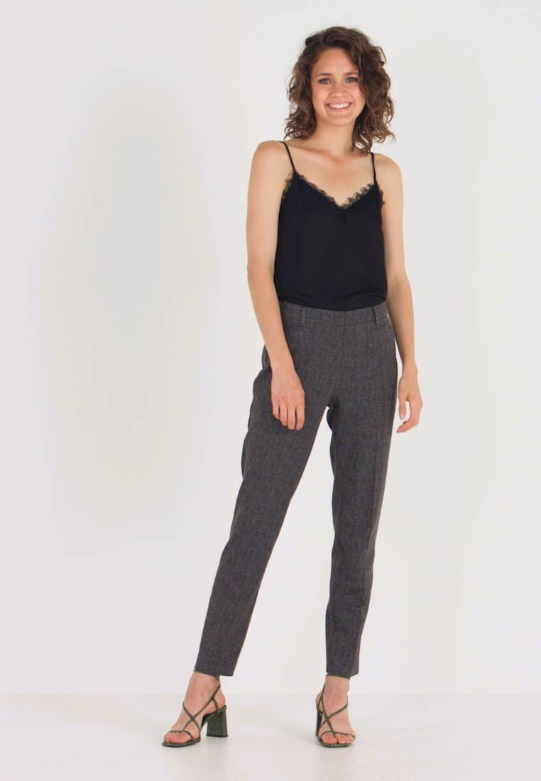 More & More - TROUSER - Stoffhose - black