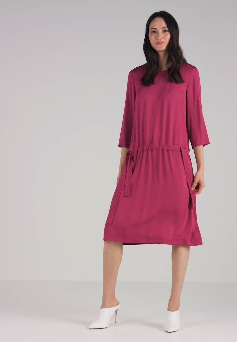 Marc O Polo DRESS LOOSE SILHOUETTE GATHERED - Day dress - radiant raspberry  - Zalando.co.uk 359f571319