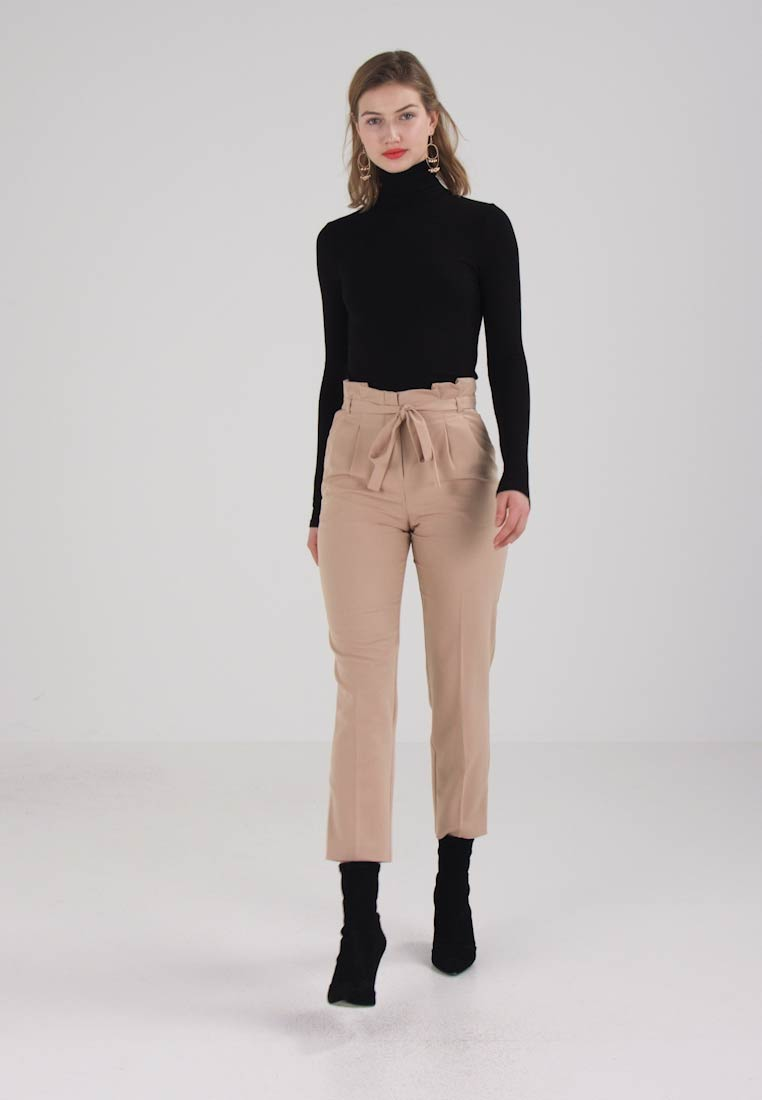 Miss Selfridge PAPERBAG TROUSER - Bukser - camel