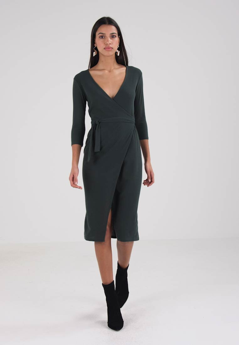 Miss Selfridge WRAP MIDI DRESS - Hverdagskjole - green