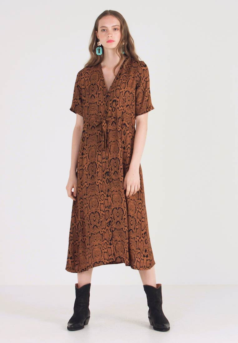 Minimum - BIOLA - Maxi dress - tobacco brown