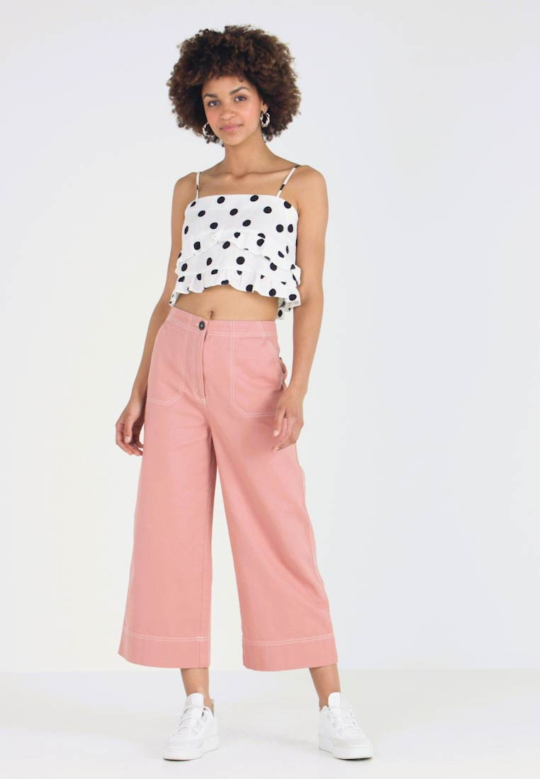 Monki - FREJA TROUSERS - Flared Jeans - pink