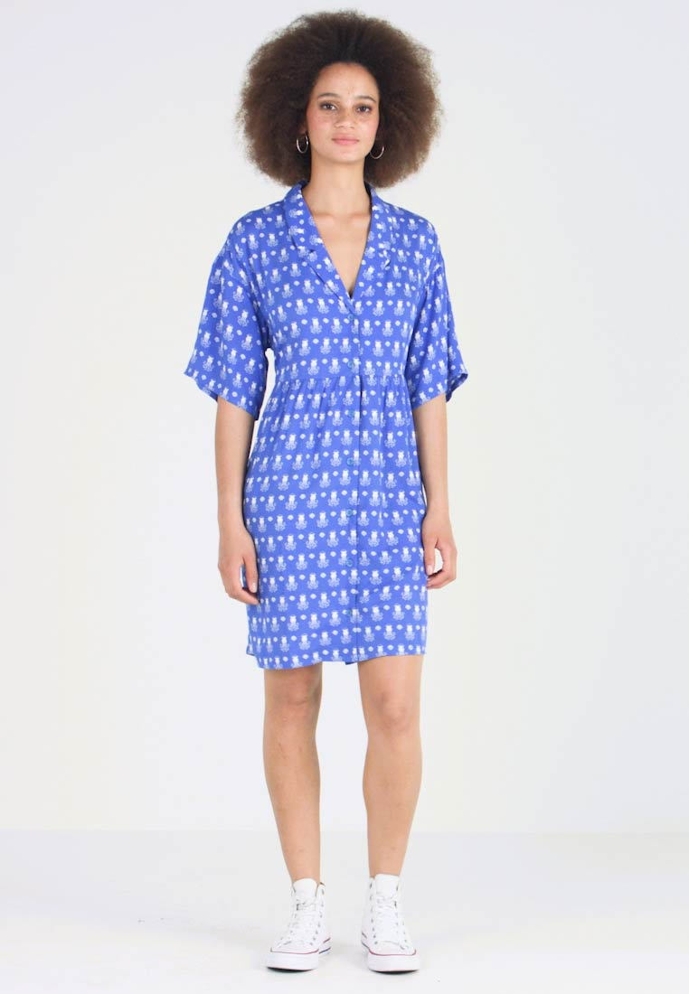 Monki - NELLY DRESS - Shirt dress - blue